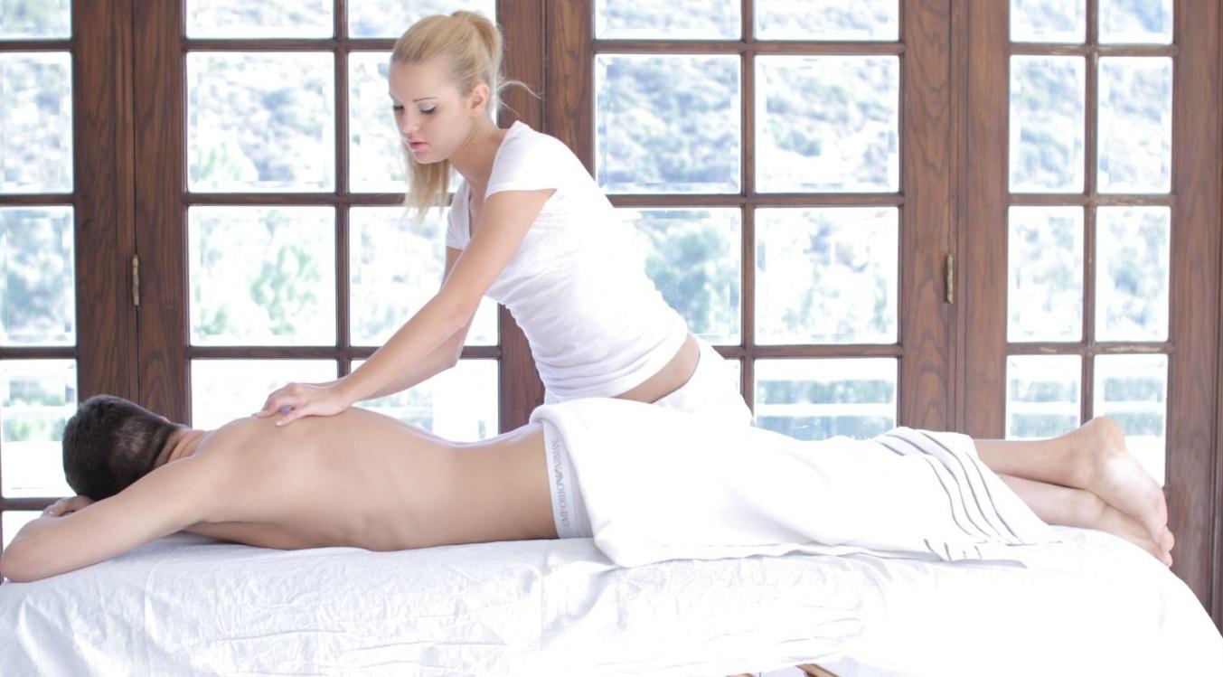 Разные виды массажа, которые может предложить путана
